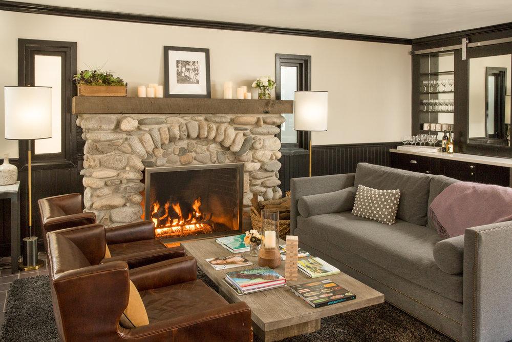 1605-Hideaway Lounge.jpg