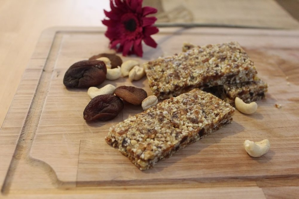 Healthy Apricot & Cashew Bars Recipe