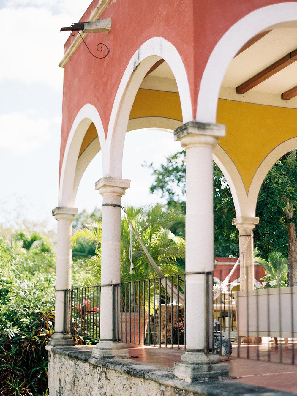275_Dany+Sarah_Merida_Mexico_Wedding_Brumley & Wells_Fine_art_film_photography.jpg