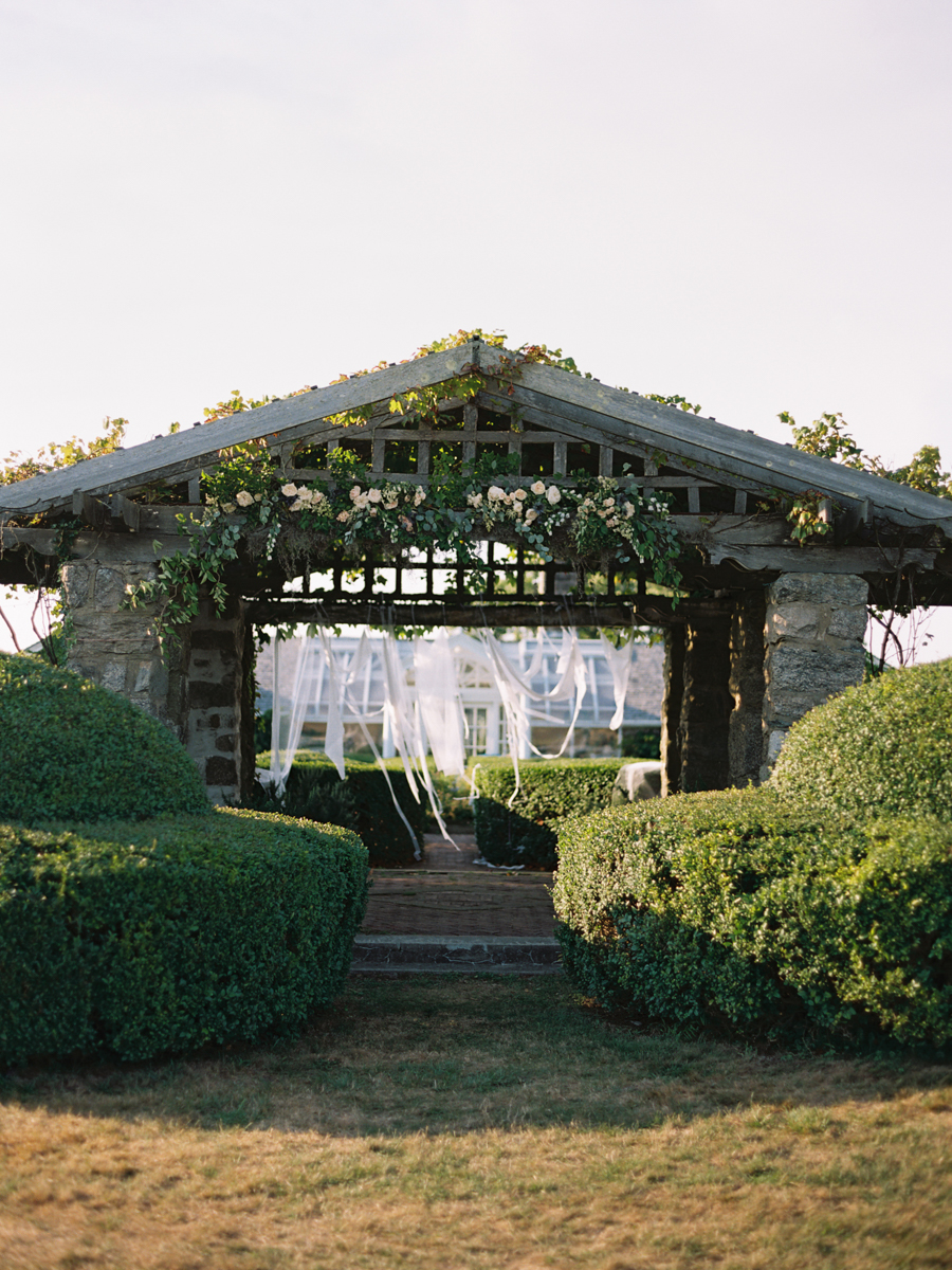 520_Josh+Lindsey_Brumley & Wells_Fine_Art_Film_Photography_Westport_Mass_New_England_Wedding.jpg