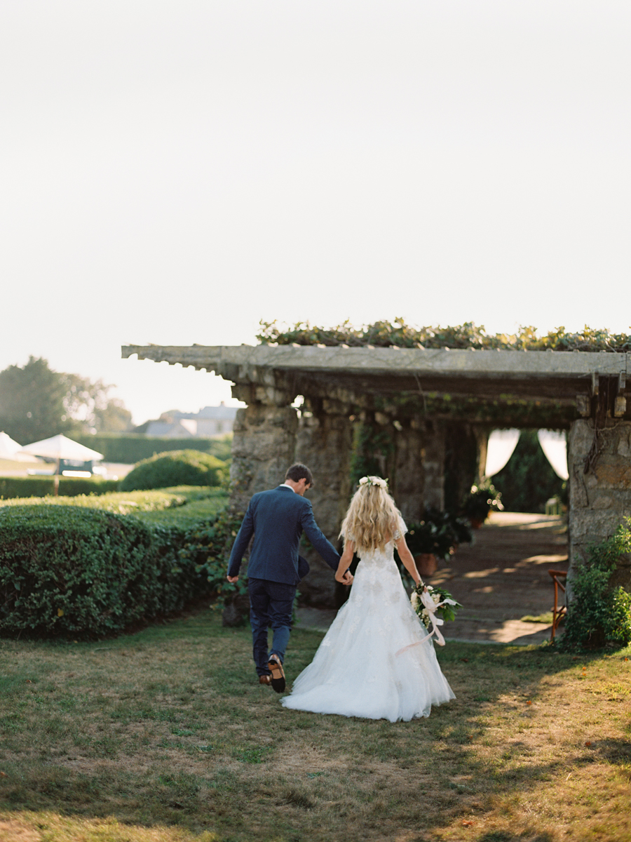 541_Josh+Lindsey_Brumley & Wells_Fine_Art_Film_Photography_Westport_Mass_New_England_Wedding.jpg