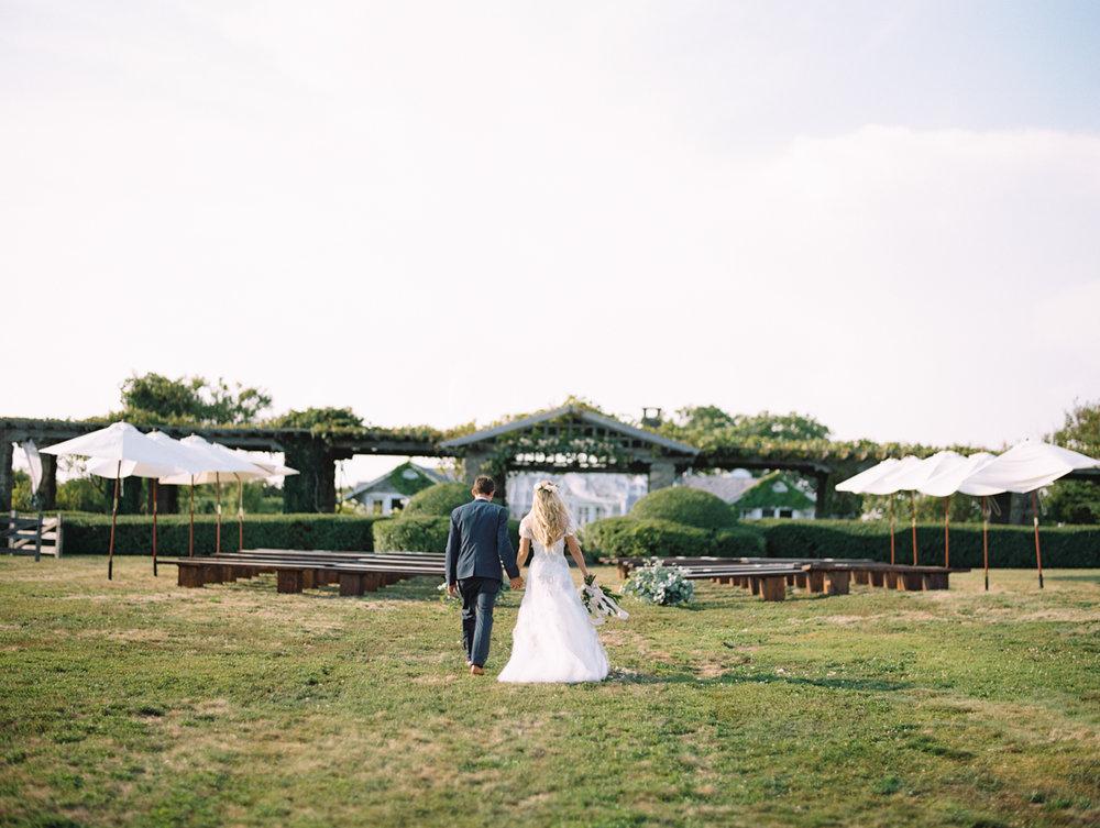 567_Josh+Lindsey_Brumley & Wells_Fine_Art_Film_Photography_Westport_Mass_New_England_Wedding.jpg