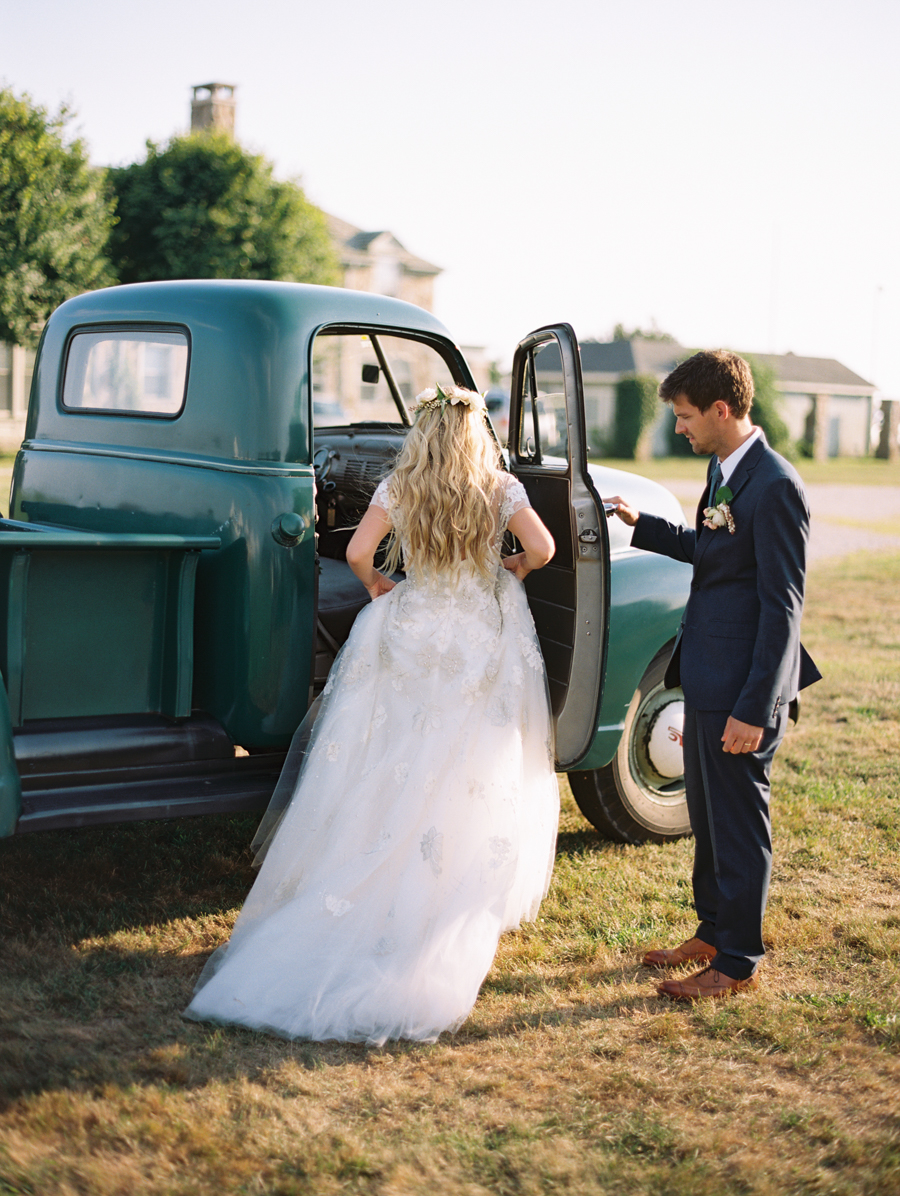 604_Josh+Lindsey_Brumley & Wells_Fine_Art_Film_Photography_Westport_Mass_New_England_Wedding.jpg