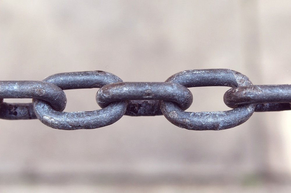 5 Tips to Avoid Getting Stuck in a Property Chain-Wreck