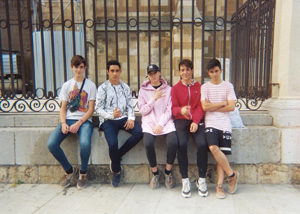 Chicos de Leon.jpg