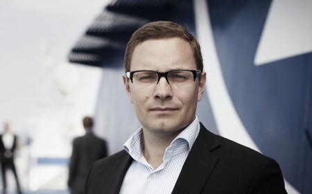 Poul Ørsted Bredesgaard Dir.: +45 4021 4262 Prior to founding Navitaship, Poul held positions as Director and Head of Specialised Tonnage at Maersk Broker, as well as various management positions worldwide with Nordana/Weco.