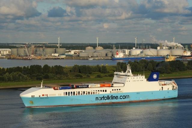 RoRo - Maas Viking - Charter.jpg