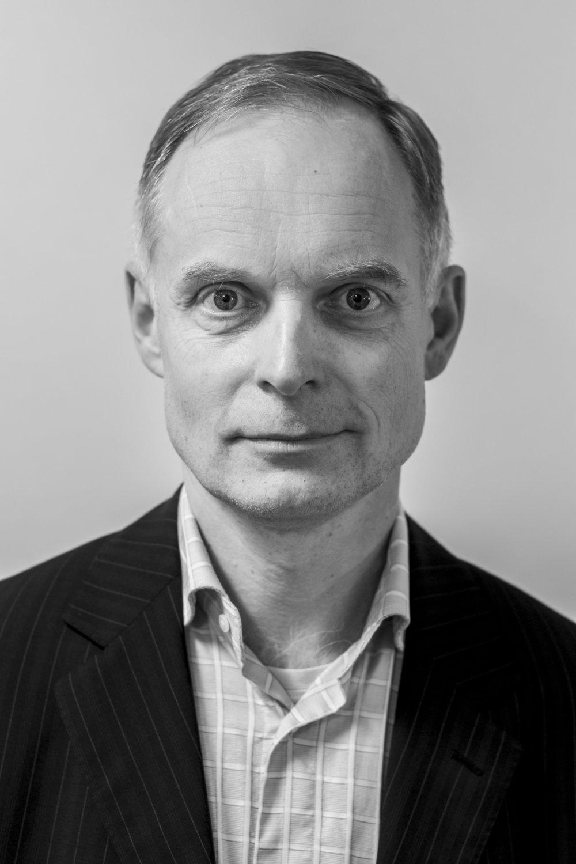 Thomas Mikkelstrup , kundechef i Marsh A/S, som er førende i verden inden for forsikringsmægling og risikorådgivning. Thomas Mikkelstrup er tidligere aftalechef i TopDanmark og har stor erfaring fra forsikrings- og sundhedsbranchen i Danmark. I NHIs bestyrelse har han specielt fokus på regulering, compliance og risikostyring i tillæg til strategiarbejdet inden for teknologi.
