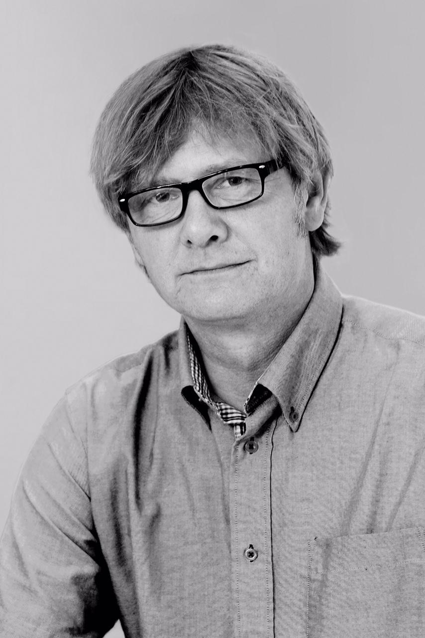 Hans Chr. Andersen , bestyrelsesformand, er uddannet på CBS og UT at Austin i Computer Science og på INSEAD i International Project Management & International Business Development. Han har arbejdet med forretningsudvikling hos bl.a. Nets, TDC, Compaq og Ericsson. Primært med internationale ventures og forretningssetups. Hans Christian har siden 2009 arbejdet med at skabe vækst i mere end 100 vækstvirksomheder.
