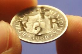 Contramarca FR 2 sobre moneda dominicana 1888