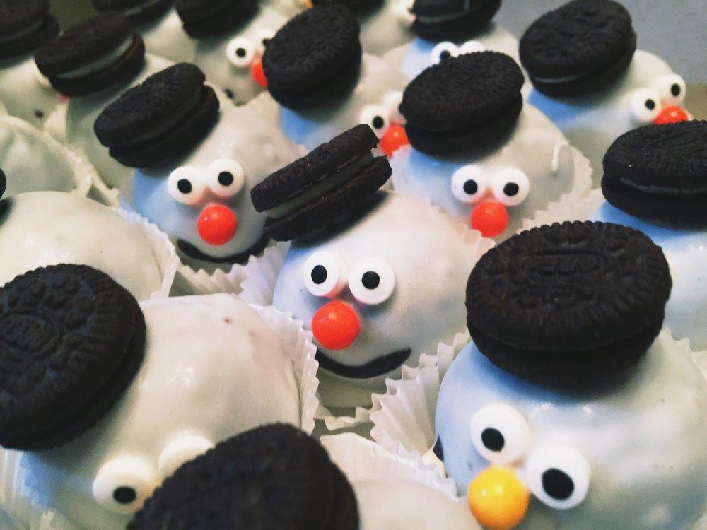 snowmen cake balls