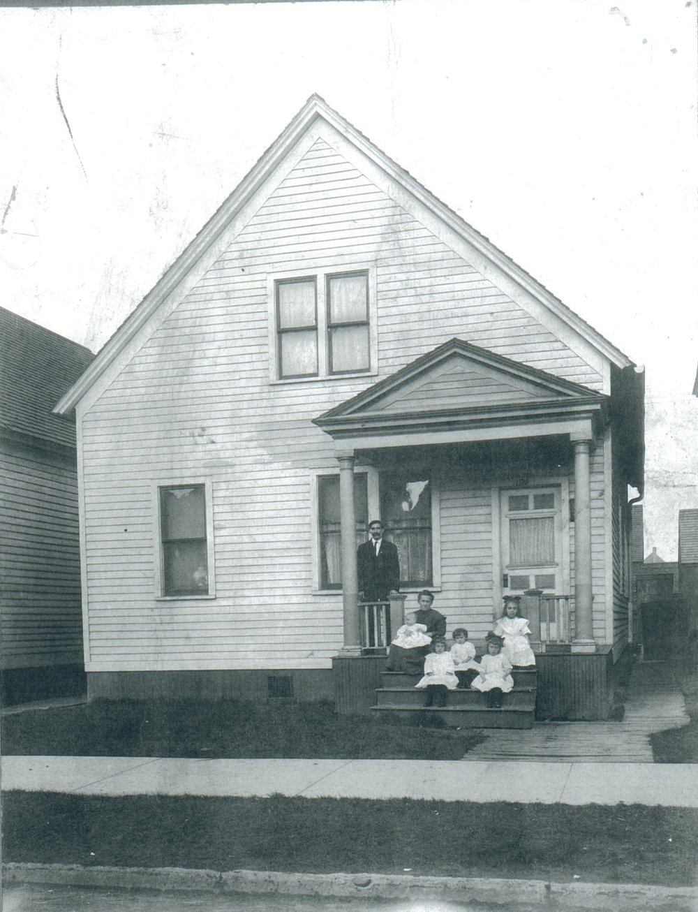 Pawlowski Family on Dubois St. in Detroit, MI - around 1910-1915