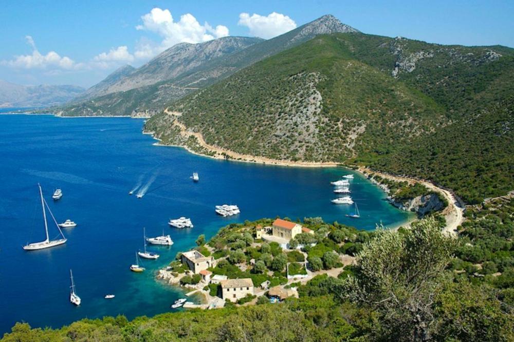 Kalamos-Kastos - Relax in a hidden paradise