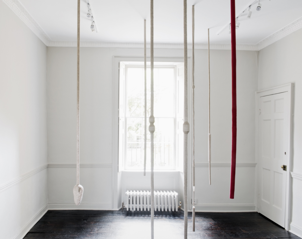 Tonico Lemos Auad,Seven Seahorses,2013, linen and thread in 7 parts, dimensions variable