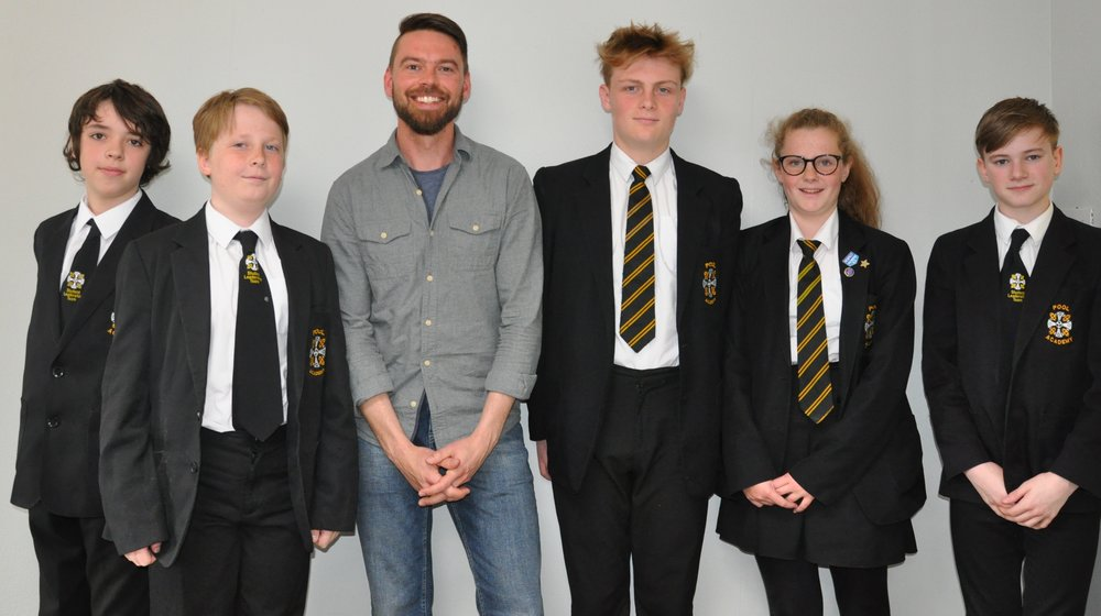 Students who met Kaj Skjervik from #loveportreath