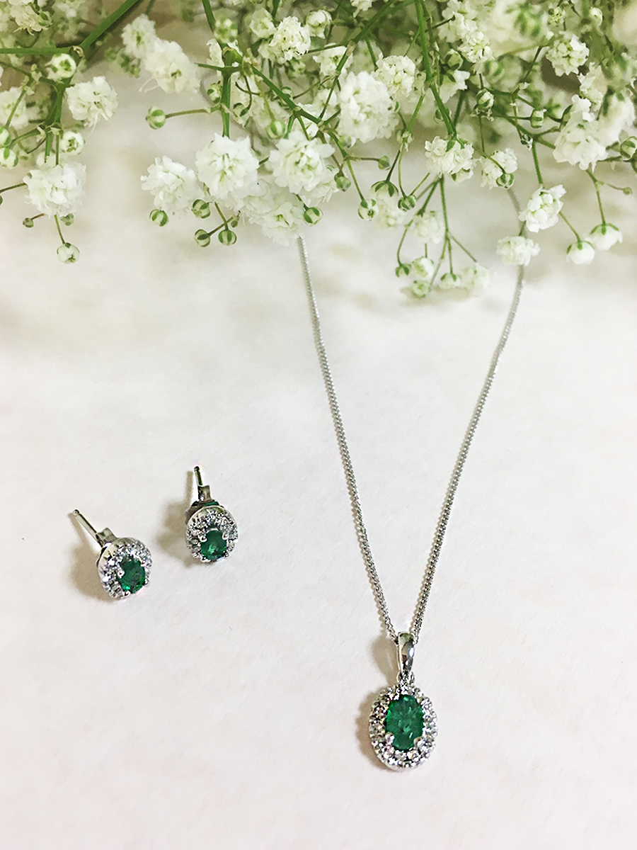 Step into spring with our 18ct White Gold Emerald Diamond Halo Stud Earrings and our 18ct White Gold Emerald Diamond Halo Pendant.