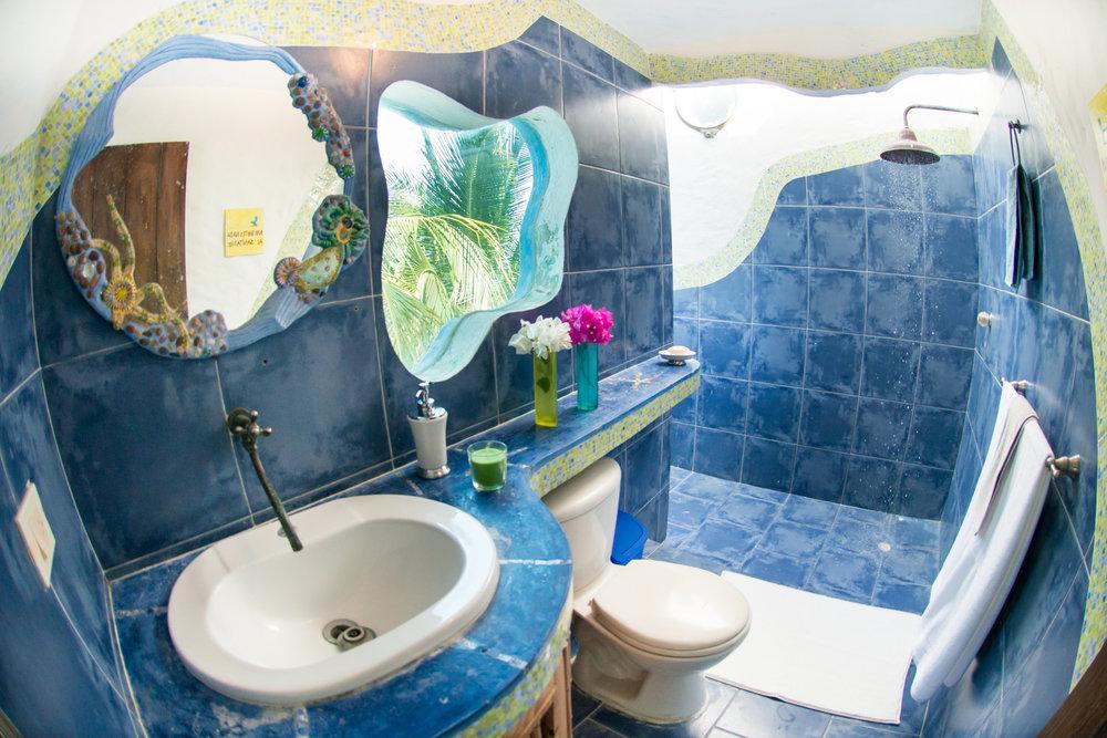 baño cuarto Zephyr copia.jpg