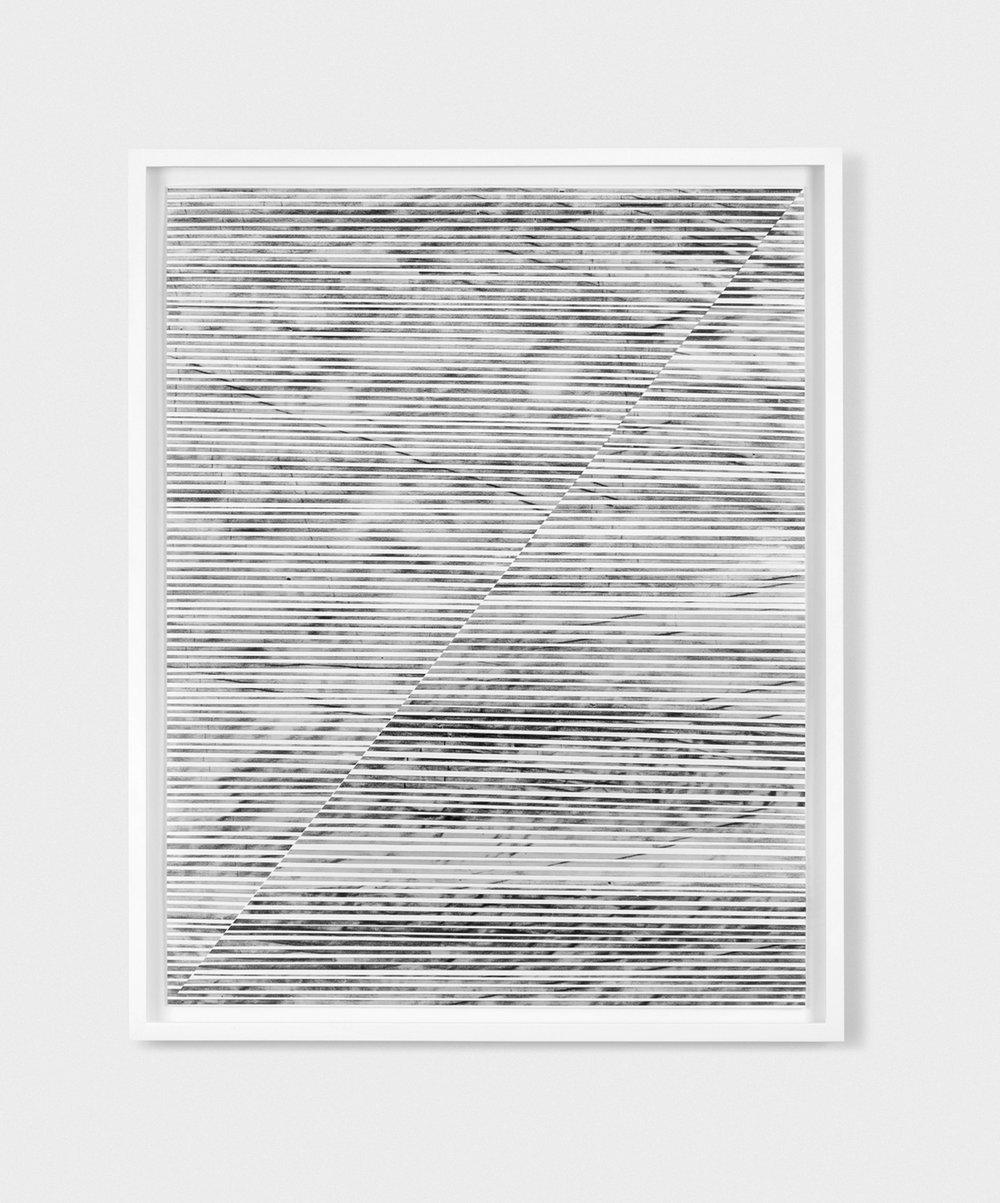 """Jim Verburg,  Untitled (the line between #1), 2014, charbon et graphite en poudre sur ruban translucide, coupé et agencé sur papier de coton, 28"""" x 22"""" (71 x 56 cm)."""