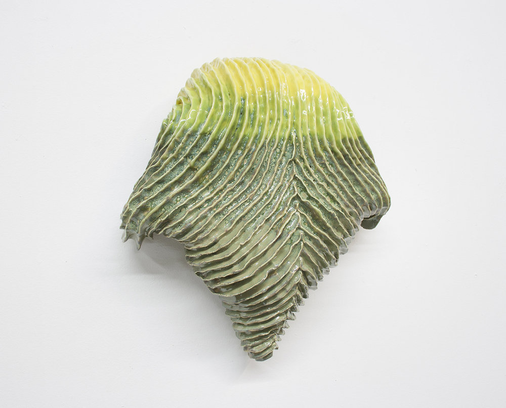 """Philippe Caron Lefebvre,  Tachypleus tridentatus nouveau genre , 2018, céramique et glaçure,12"""" x 11,5"""" x 5"""" (30.5 x 29 x 13 cm)."""