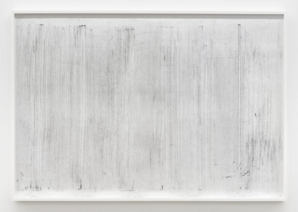 "Sans titre (where it becomes clear #2), 2018, huile, graphite et fusain sur tarlatan, 102 X 147 cm (41 X 59"")"