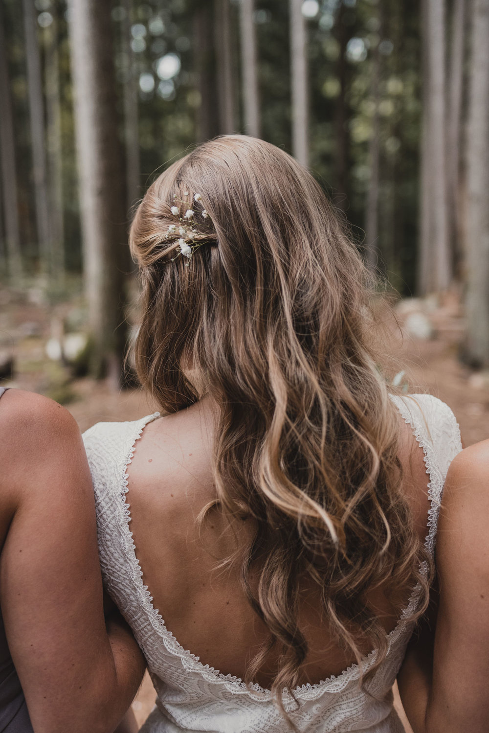 Bride's hair with baby's breath