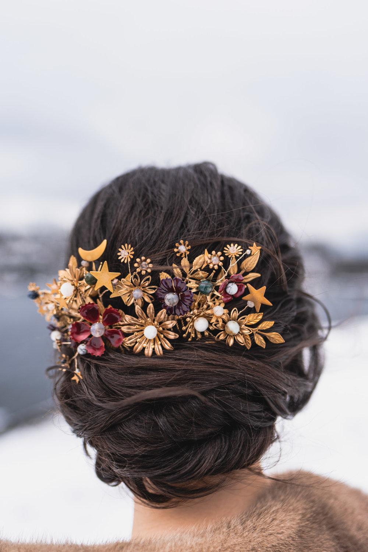 Bride hair accessory detail