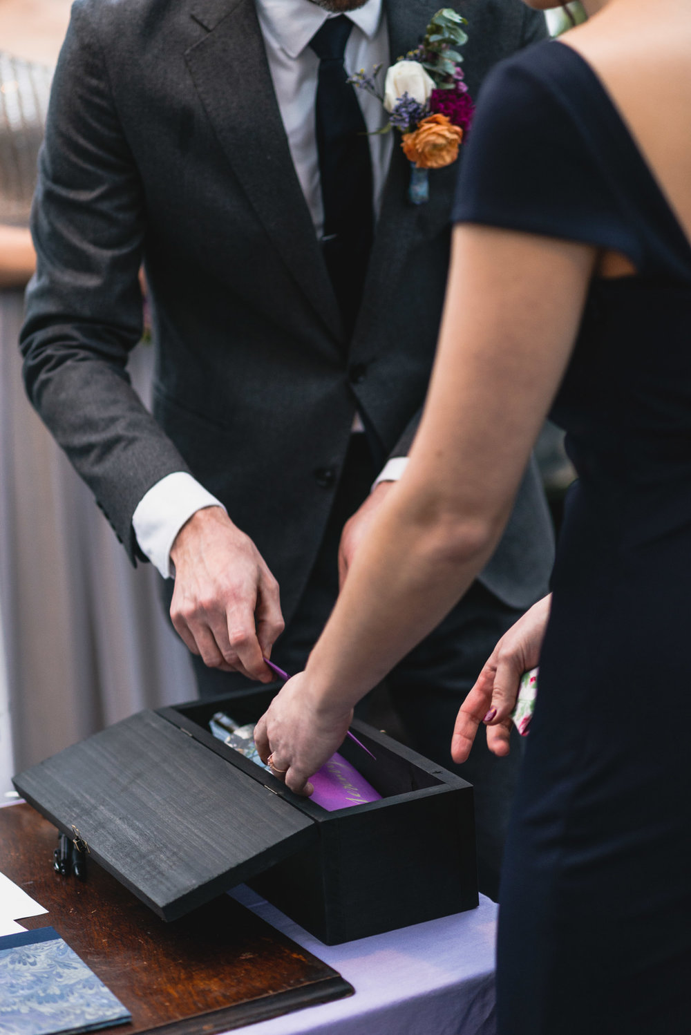 Wine box cards at ceremony