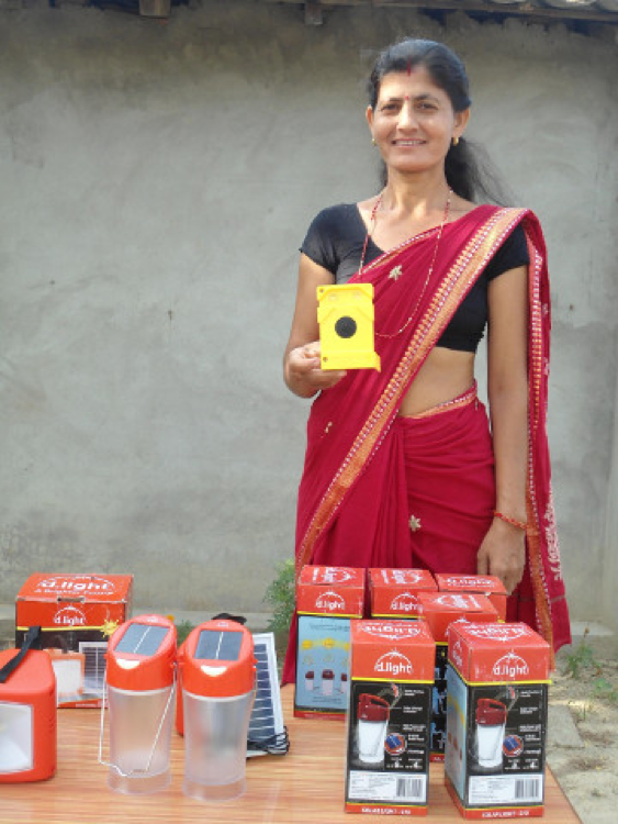 A SOLAR CEO SHOWS OFF HER EMPOWER GENERATION PRODUCTS.