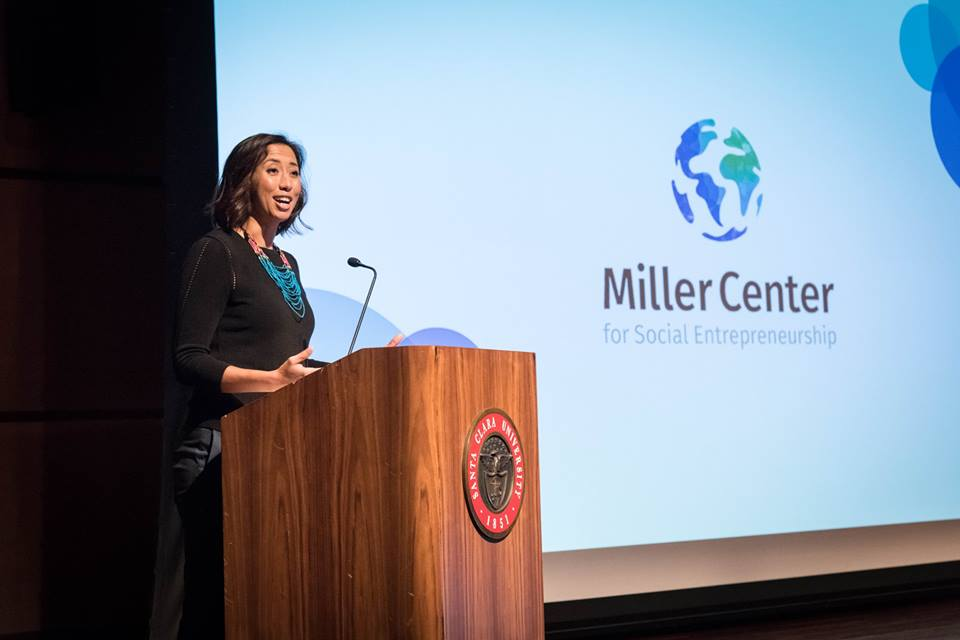 Miller Center Chief Operating Officer Cassandra Staff hosts the 2018 GSBI In-Residence Accelerator Investor Showcase. (Chuck Barry)