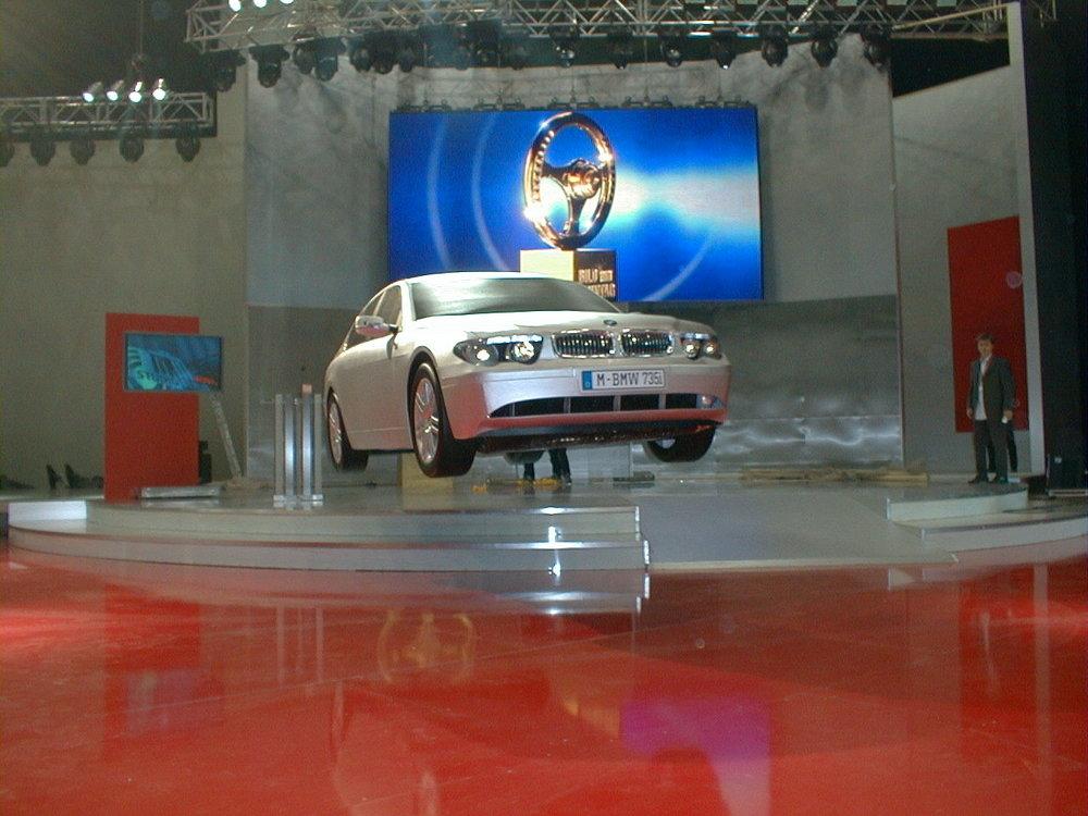 Flying Car BMW 735i · Das Goldene Lenkrad · 01.jpg