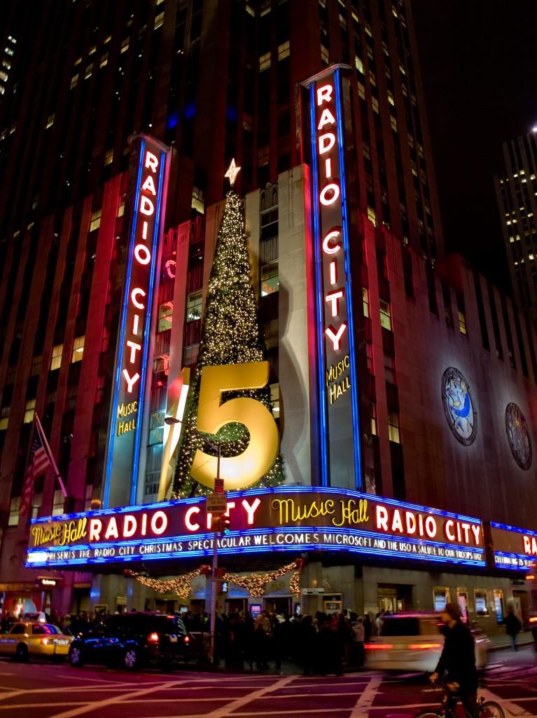 Radio_City_Music_Hall_2229954271_675a3a4551-767x1024.jpg