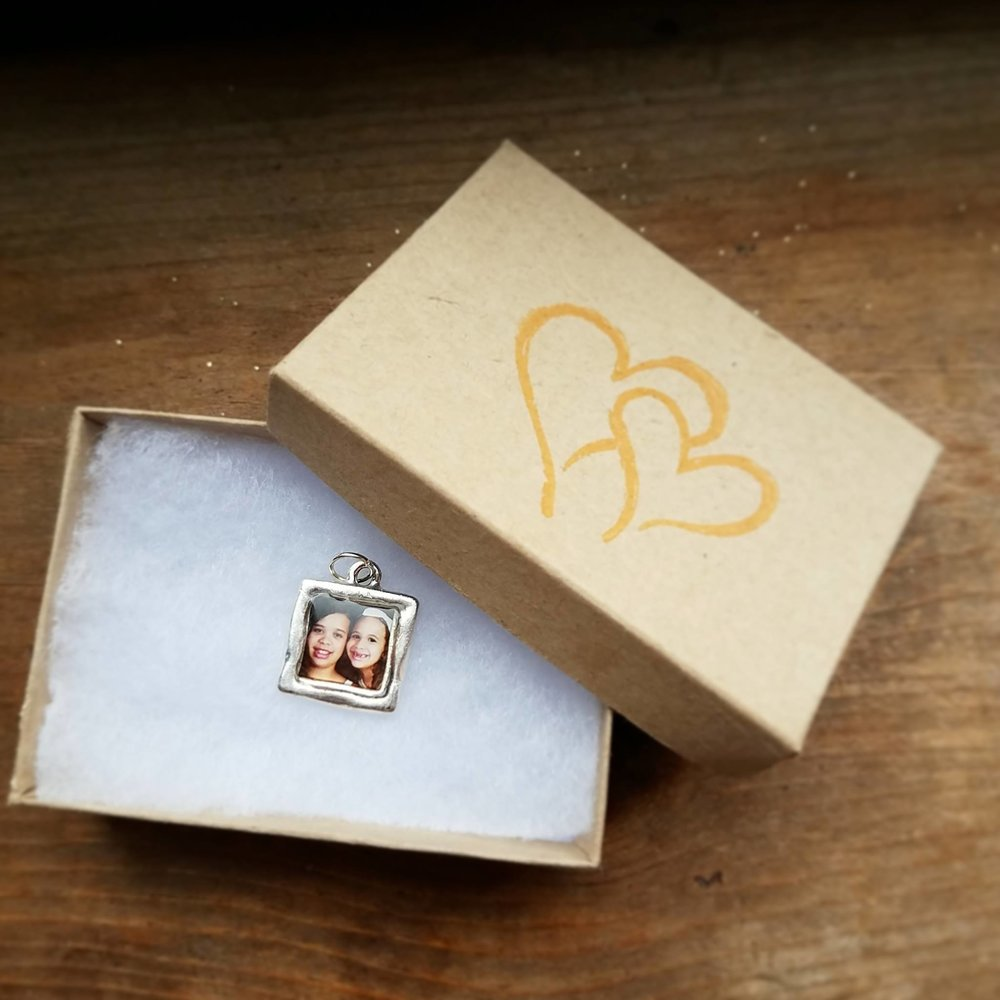 Beautiful Keepsake Photo Charm