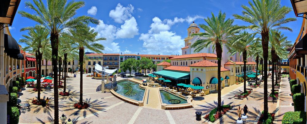 CityPlace is a great place to grab a bite to eat, go shopping, or watch a movie.