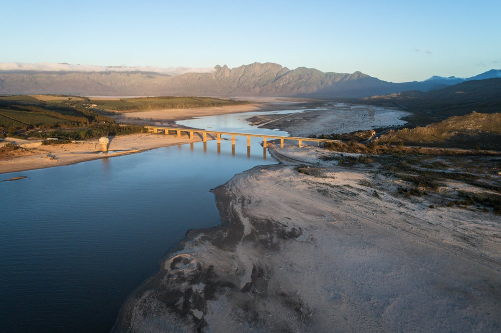 johnny-miller-mikhael-subotzky-cape-town-water-crisis-4.jpg
