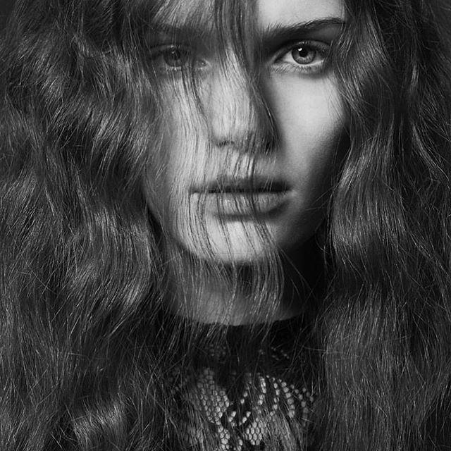 @Regrann from @brucemasefield_hair - THE BEAUTY IS IN THE WOMAN @brucemasefield_hair. . . . The beautiful Tessa Hair - @brucemasefield_hair  Make-up @jamesmolloymakeupartist  Shot by - @davidoldhamphoto  Shot at - @fivefourstudios  Film - @paragonpicturesuk  Styling - @gemmaharrisonstylist  Model - @tessarosejones  #brucemasefieldhair #brucemasefieldeducation #thebeautyisinthewoman #effortlesshair #chichair #edinburghhairdresser #edinburghsalon #springsummercolllection #bspokeservices #bspokecut #bspokecolour #bspokedressing #bspokegrooming