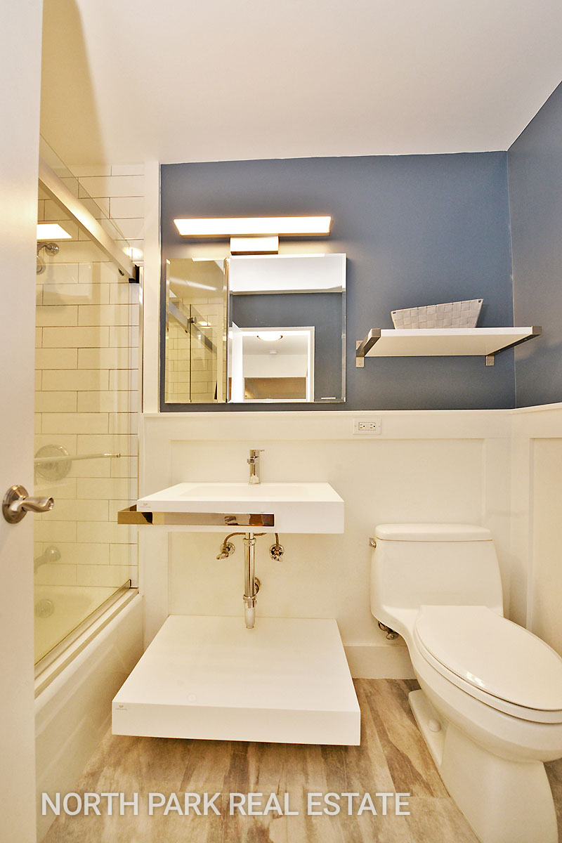West_70th_Street_315_5F_Bathroom_npre.jpg