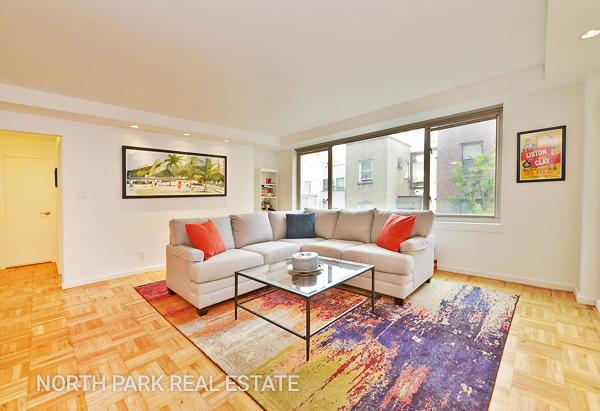 West_70th_Street_315_5F_Living__Room_npre.png