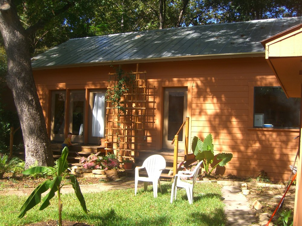 Guest house exterior1.jpg