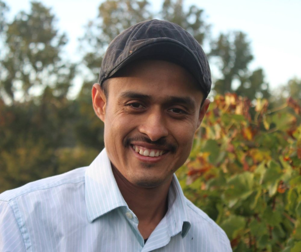 Roberto Gomez, assistant vineyard manager
