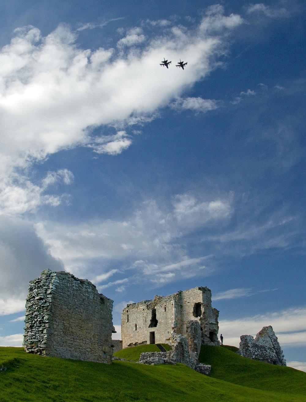 Duffus & RAF jets.jpg