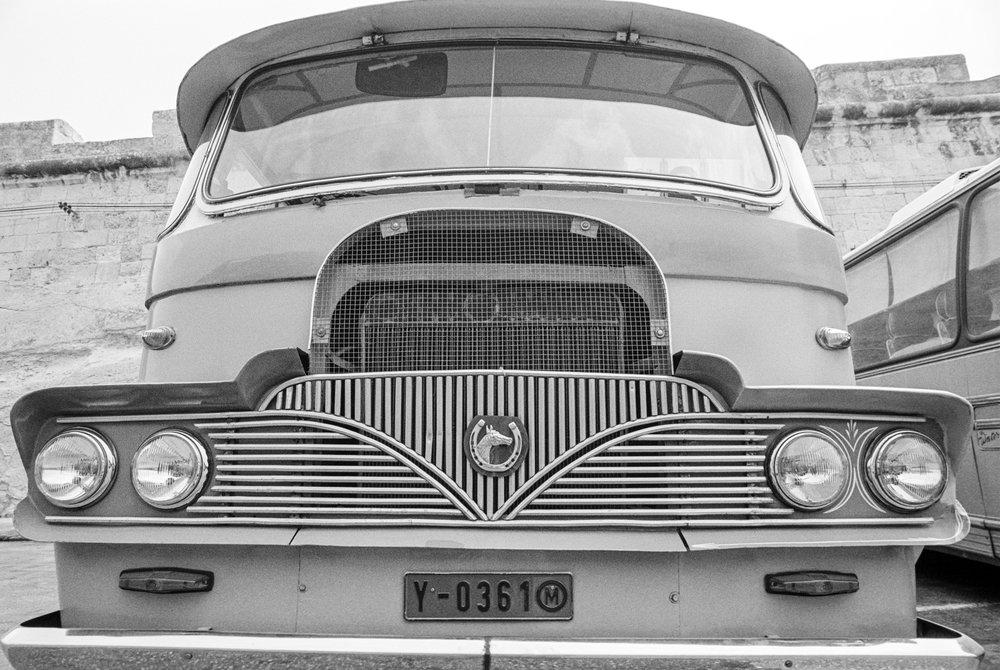 horseshoe bus.jpg