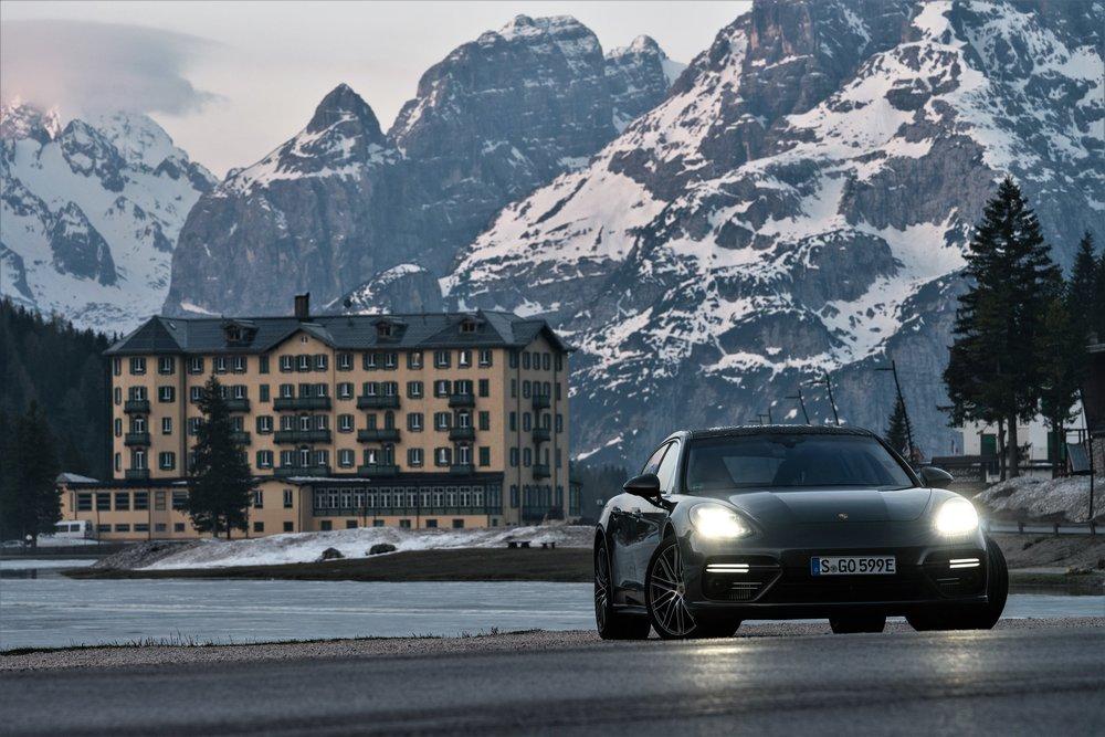 Porsche Panamera Turbo S e-Hybrid Executive, in the Dolomites