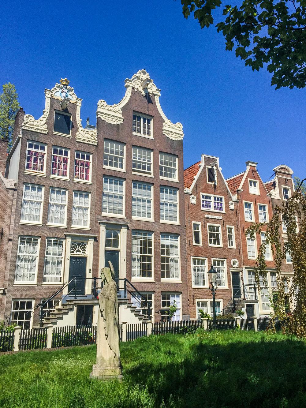 LilyHeaton_Begijnhof_Amsterdam.jpg