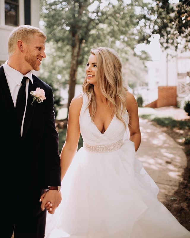 "Do any of you ever see a bride on her wedding day and think, ""Wait whatttt....am I in the presence of an actual goddess right now?"" That's how I felt all day being around this bride. I'm sharing some favorites from Kaitlyn + Cody's wedding day on my blog. Hit the link in my bio to check it out! ✨"