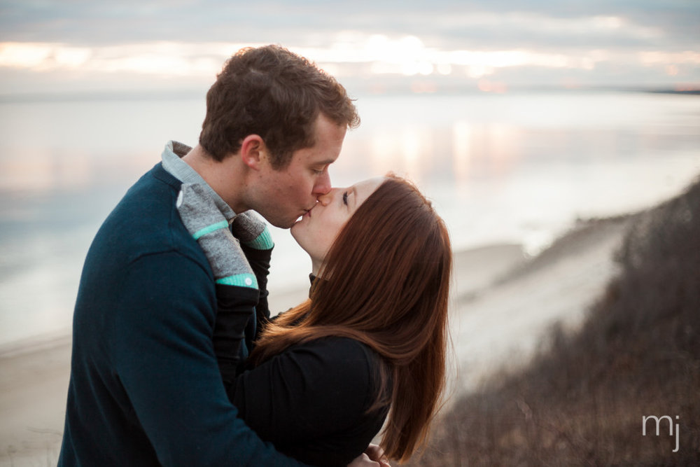 engagement-session-sagamore-beach-blanket-boston-cape-cod-wedding-photographer-photo-5675