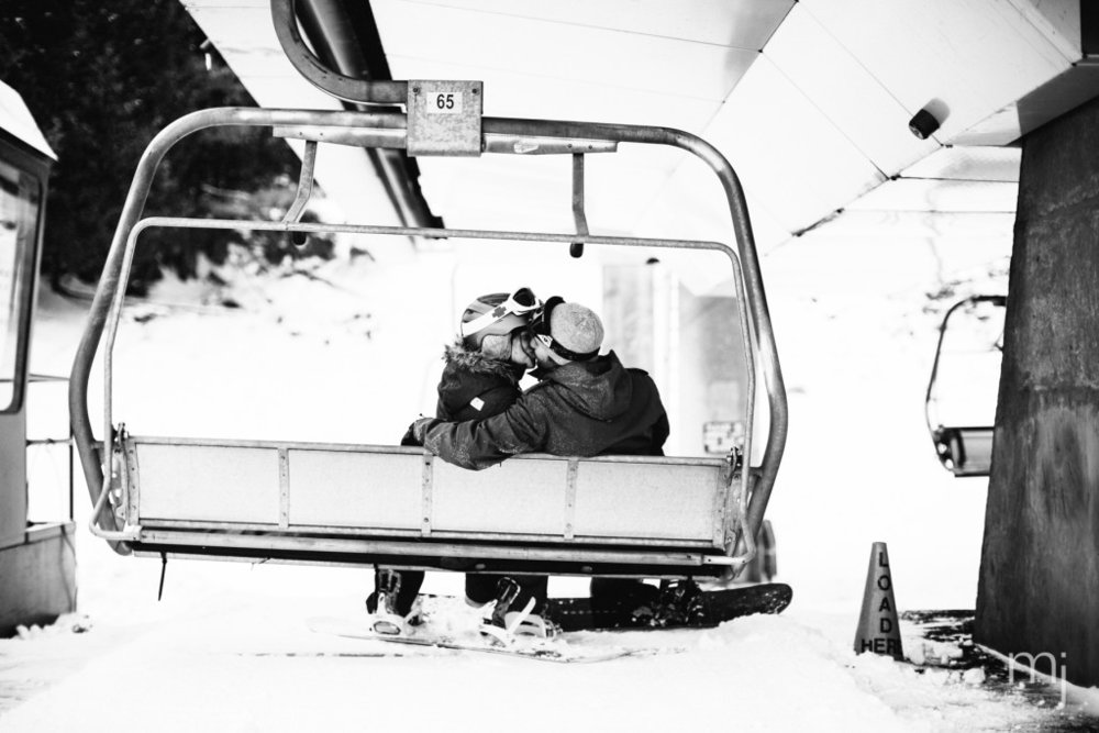 black-white-chairlift-winter-proposal-engagement-ski-whiteface-mountain-snowboard-boston-wedding-photographer-photo-8332
