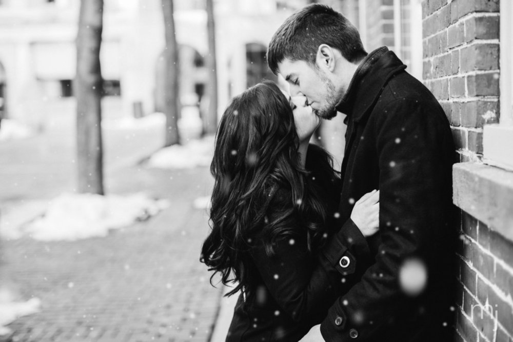black-white-salem-winter-engagement-session-christmas-lights-snow-boston-wedding-photographer-photo--2