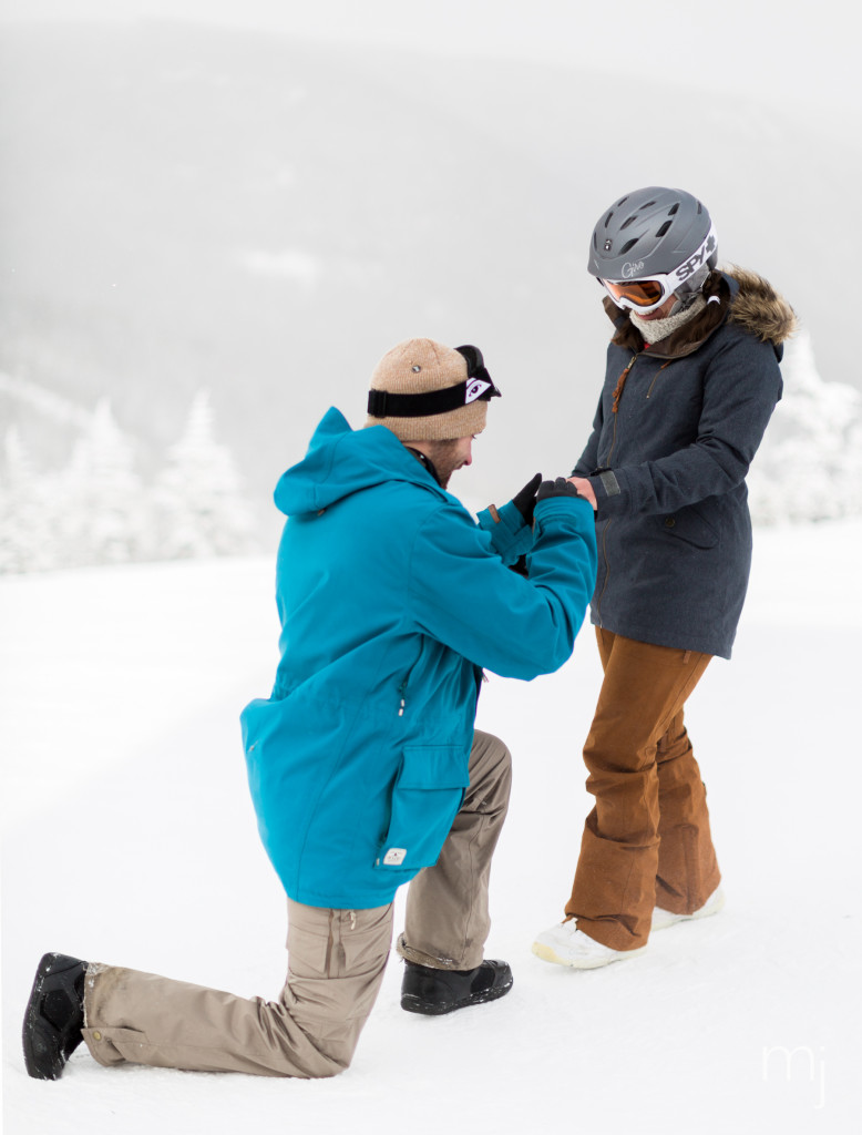 winter-proposal-engagement-ski-whiteface-mountain-snowboard-boston-wedding-photographer-photo-