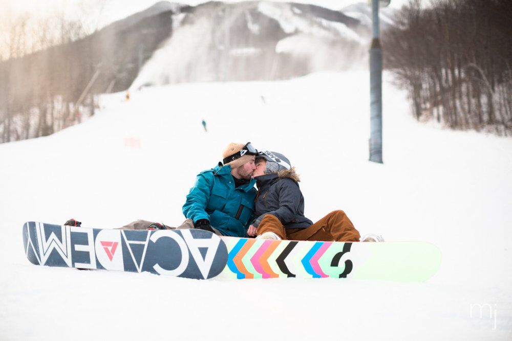 winter-proposal-engagement-ski-whiteface-mountain-snowboard-boston-wedding-photographer-photo-8297