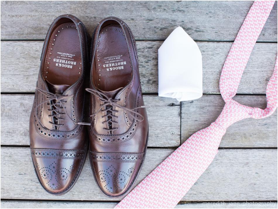 Groom Details- Vineyard Vines Tie